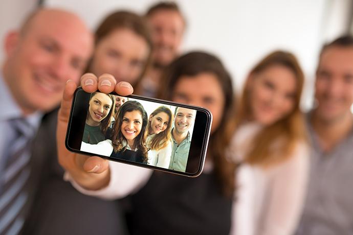Vea como surgió el término selfie