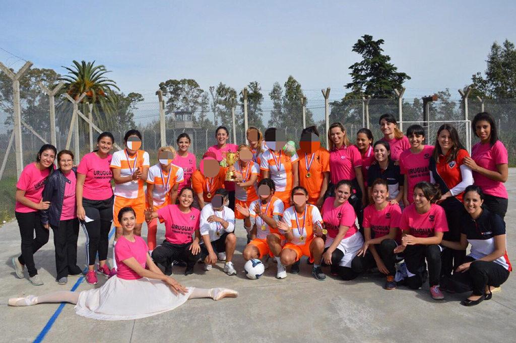 Grupo UNP con la FJU realizarón Primer torneo de Fútbol Feminino en la Carcel de Montevideo.