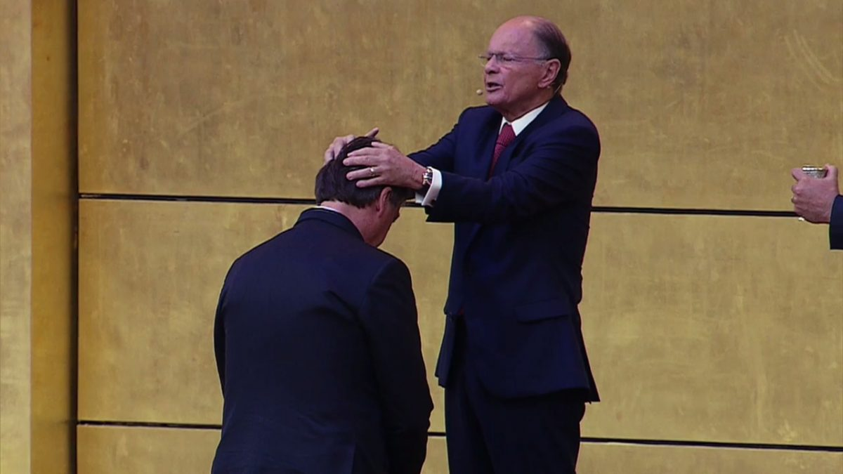 Presidente Jair Bolsonaro visita el Templo de Salomón