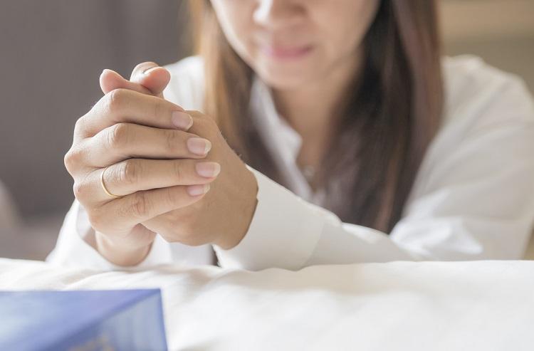 3 errores comunes que las personas cometen cuando oran